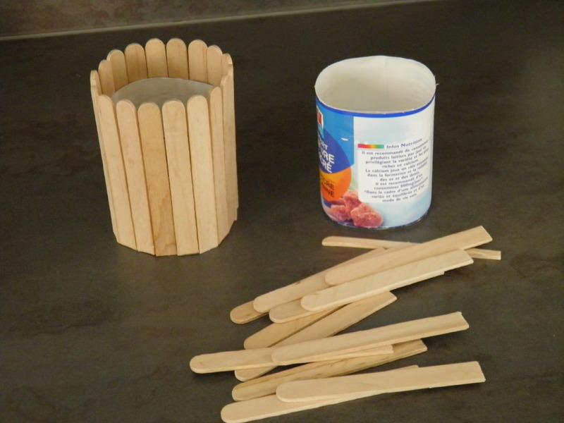 Un pot crayon activit manuelle pot a crayon for Un pate de maison